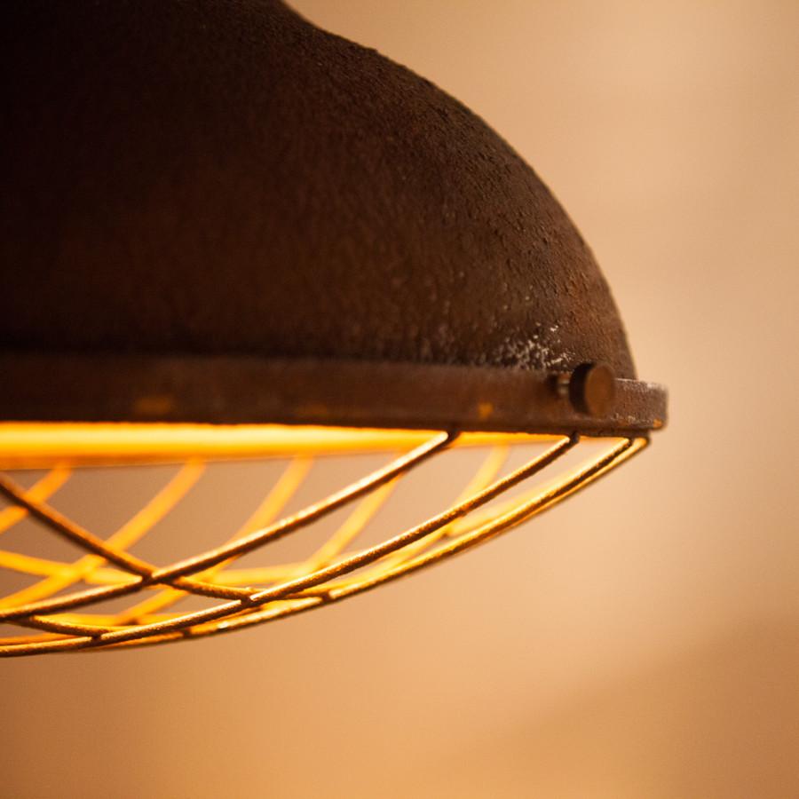 industriële lampen roest